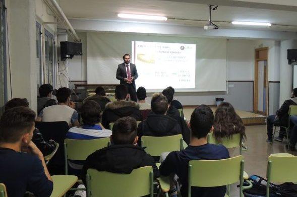 Lares Abogados Imparte Una Charla A Estudiantes Del Instituto Rodrigo Botet De Manises